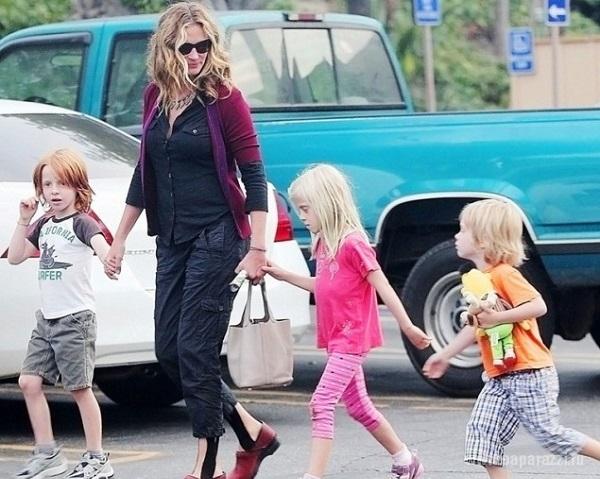 46-летняя Джулия Робертс в четвертый раз станет мамой