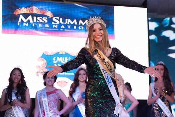 Топ-модель Натали Соболева не хочет возвращать корону организаторам конкурса «Miss Summer International»