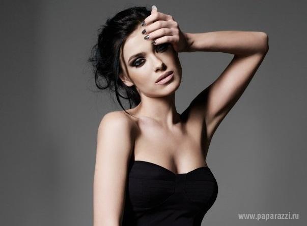 Елена Темникова выпустила сольный сингл
