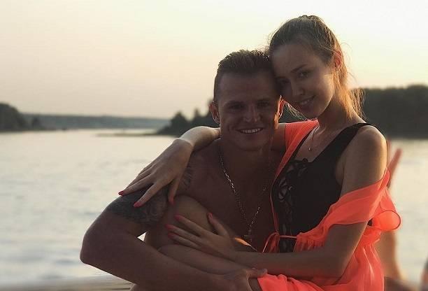 Дмитрий Тарасов поставил беременную Анастасия Костенко в неудобное положение