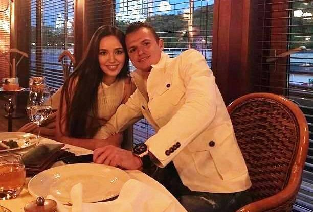 Дмитрий Тарасов купил Анастасии Костенко автомобиль