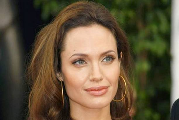 Анджелина Джоли испытывает серьезные проблемы со здоровьем после расставания с Брэдом Питтом