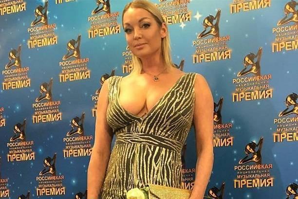 Анастасия Волочкова похвасталась, что ехала в машине на коленях женатого мужчины