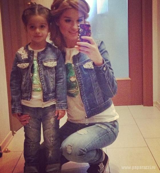 Ксения Бородина приучает 4-летнюю дочь к жизни в Доме2