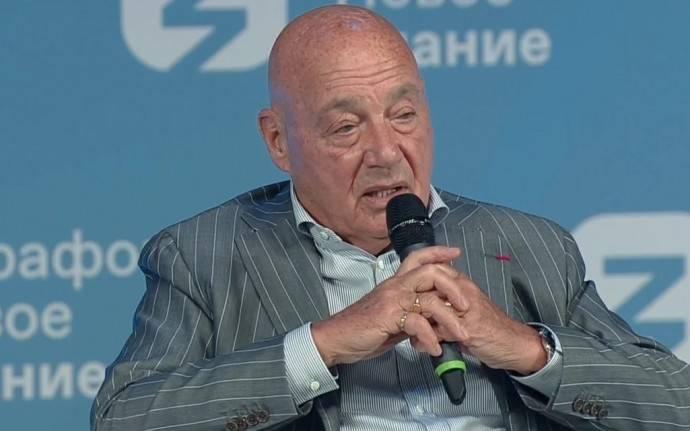 Владимир Познер раскритиковал речь актёра Егора Бероева о невакцинированных от COVID-19
