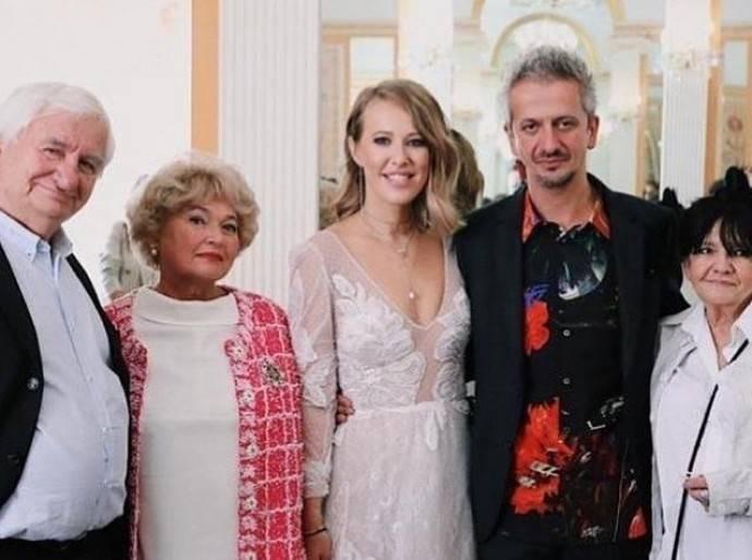 Мама Ксении Собчак Людмила Нарусова с трудом пережила свадьбу дочери