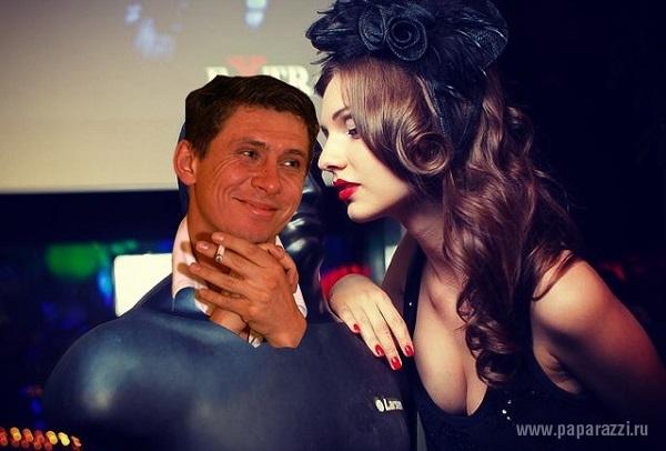 Тимур Батртудинов и его невеста Дарья Канануха появятся вместе в Сочи на фестивале Comedy Club