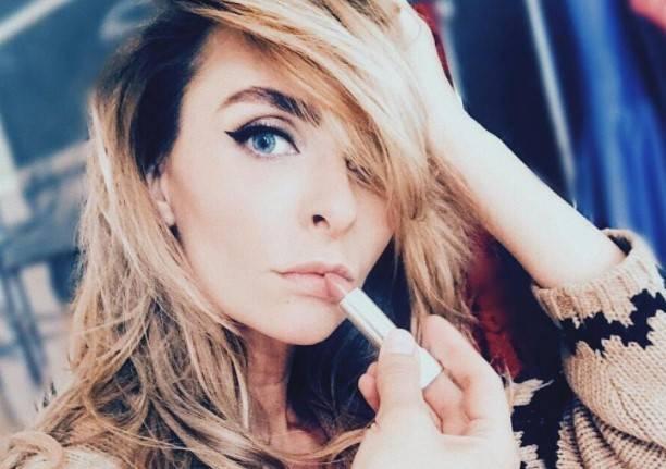 Екатерина Варнава вызвала бурю обсуждений фото в рубашке