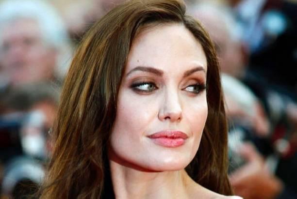 Анджелину Джоли разозлил вопрос о разводе с Брэдом Питтом