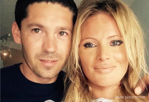Дана Борисова призналась мужу в любви в прозрачной маечке на голое тело