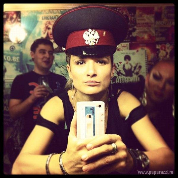 http://www.paparazzi.ru/upload/iblock/53b/53b9a9f6c714492cceb07840c15ec617.jpg