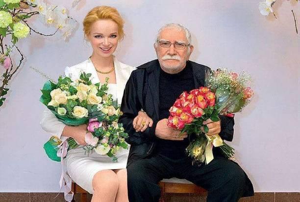 Друг Армена Джигарханяна рассказал о хитрости супруги актера