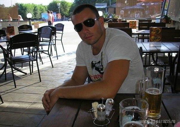 Михаил Терехин ищет работу, чтобы жениться на Ксении Бородиной