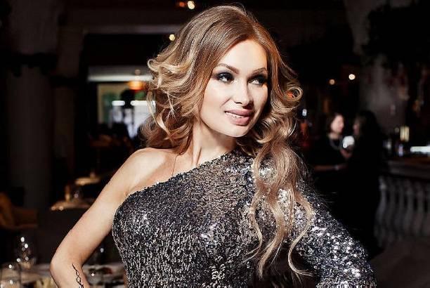 Набравшая вес Евгения Феофилактова удивила своих поклонников внешним видом