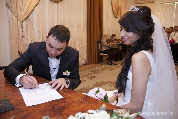 Александр Гобозов и  Алиана Устиненко поругались прямо на свадьбе