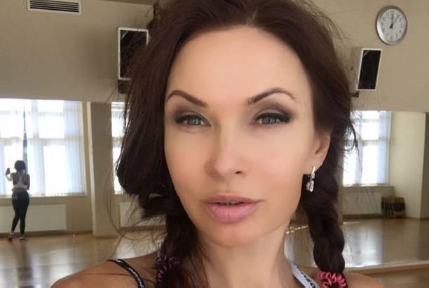 Эвелина Бледанс до сих пор не может прийти в себя после развода