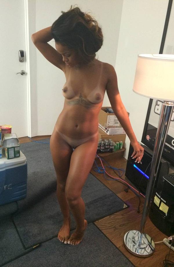 Irian nude blonde gallery