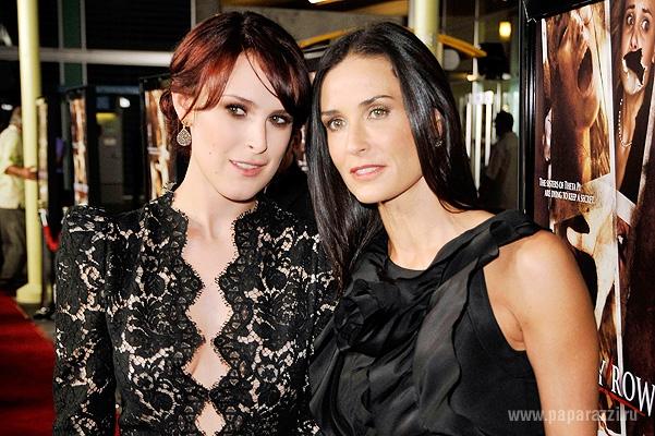 Деми Мур и ее дочь Румер Уиллис выглядят как сестры