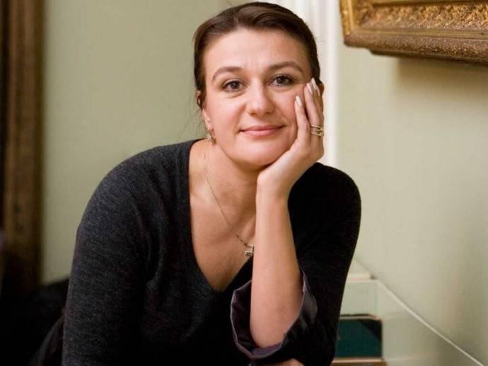 Актриса Анастасия Мельникова удивила всех располневшим внешним видом