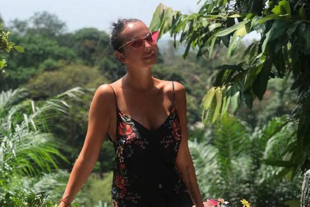 Анна Грачевская не может вылететь из Таиланда