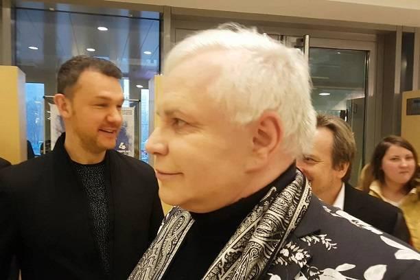 Борис Моисеев скрывается от друзей в Латвии