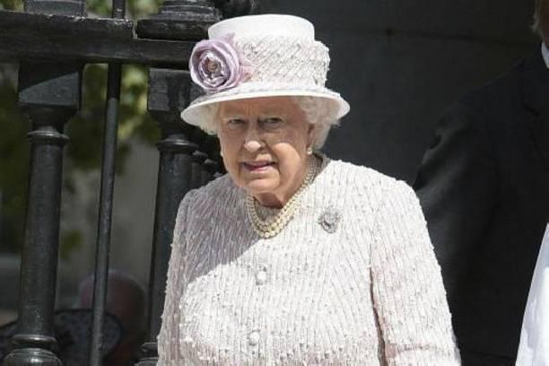 Стало известно, в чьи же руки перейдет правление после Елизаветы II