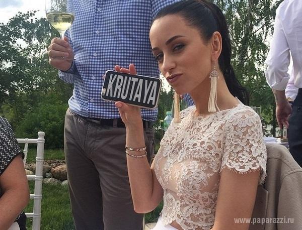 Жена Николая Крутого Юлия поблагодарила Евгения Папунаишвили за терпение
