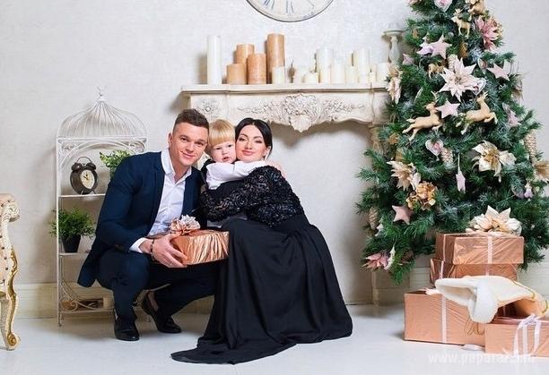 Евгения Феофилактова выложила первые фотографии после ДТП мужа Антона Гусева