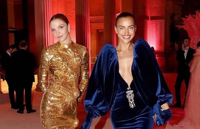 Ирина Шейк и еще 9 звезд, пожелавших обратить на свою грудь особое внимание на красной дорожке Met Gala-2019