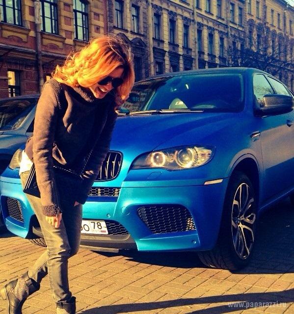 Ксения Борондина показала мужчину и машину своей мечты