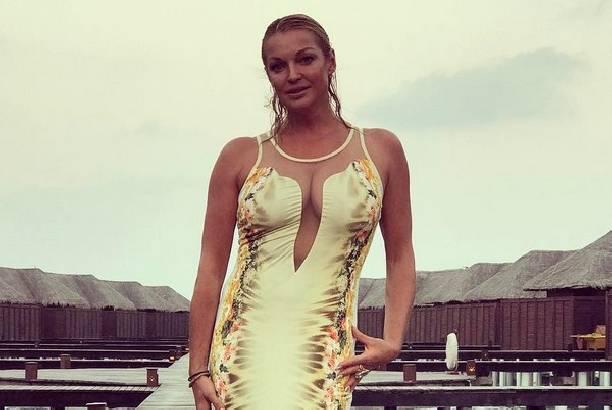 Анастасия Волочкова полностью оголилась на Мальдивах