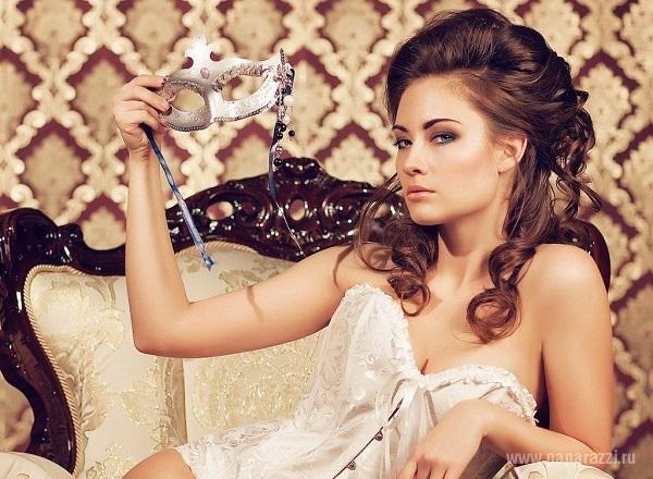 "Новая учатница группы ""Фабрика"" Александра Попова вышла на сцену сразу после операции"