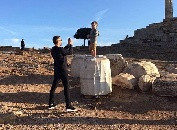 Дмитрий Шепелев показал, как проводит отпуск с сыном
