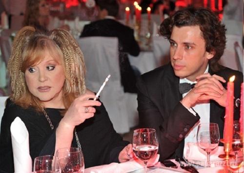 Алла Пугачева, наконец, бросила курить