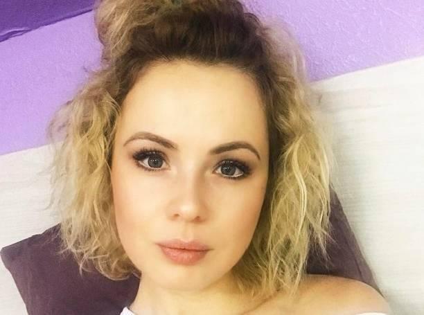 Александра Харитонова поделилась фото в кружевном нижнем белье