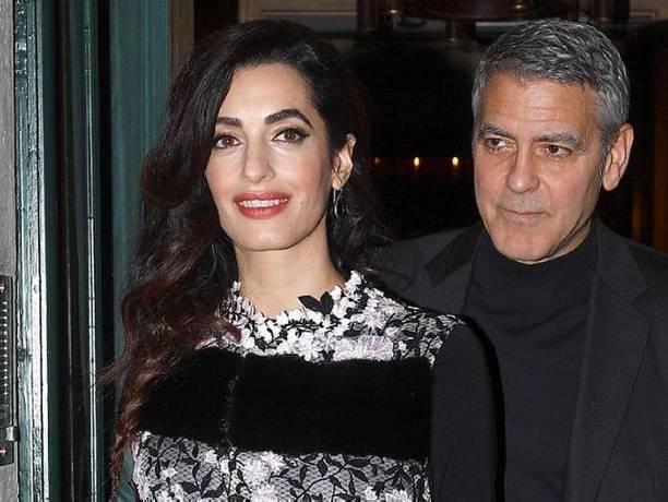 Амаль Клуни выбрала для свидания наряд, подчеркнувший ее стройную фигуру