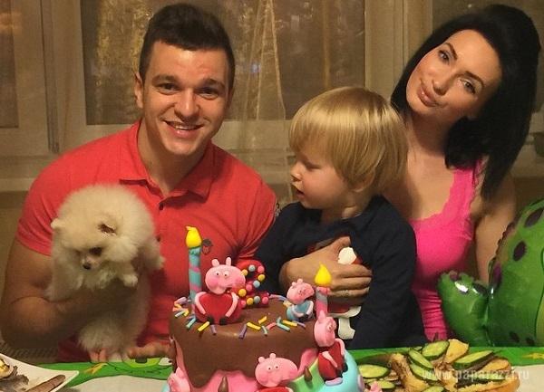 Антон Гусев учится заново ходить после аварии, а его сын Даниэль празднует день рождения
