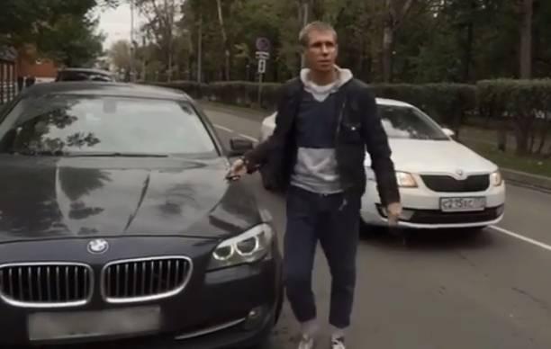 Алексей Панин поспорил на свой автомобиль BMW