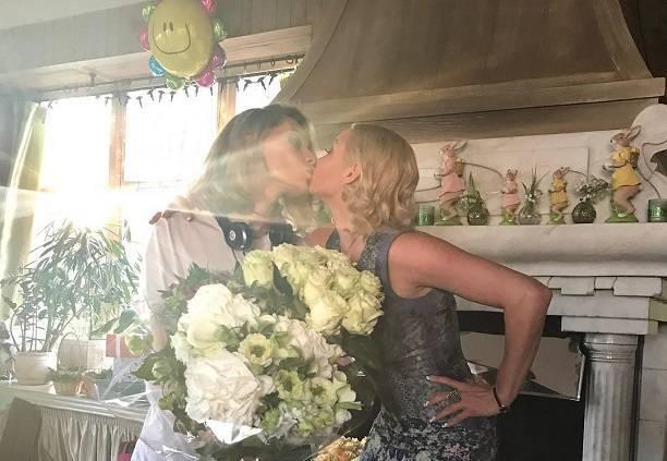 Анастасия Волочкова стала лучшей подругой жены бывшего мужа