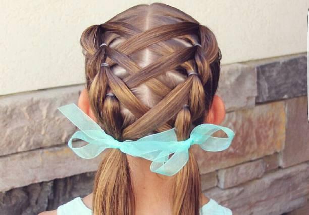 Топ-5: простые причёски для девочек на 1 сентября