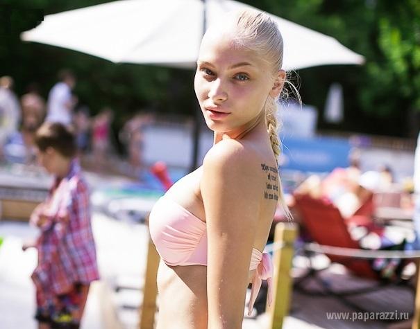 Алена Шишкова выложила новый снимок своей татуировки