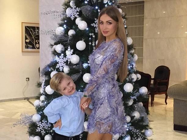 Сын Евгении Феофилактовой живет с Викторией Романец