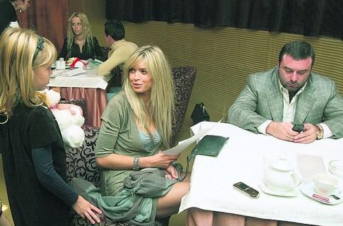 Вера Брежнева официально развелась с Михаилом Киперманом