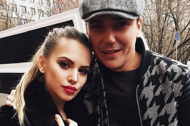 Евгений Кузин и Саша Артемова наконец-то расписались