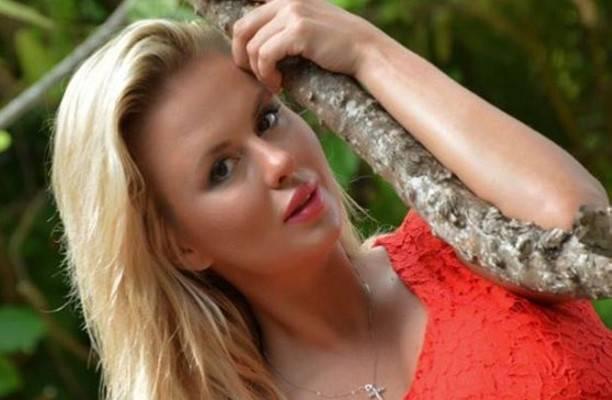 Анна Семенович огорчила поклонников видом без макияжа