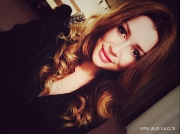 Анна Заворотнюк прокатилась по Парижу на шикарной машине своего чеченского бойфренда