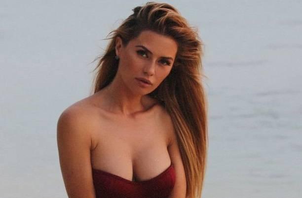 Виктория Боня поделилась эротической фотосессией, снятой на Мальдивах