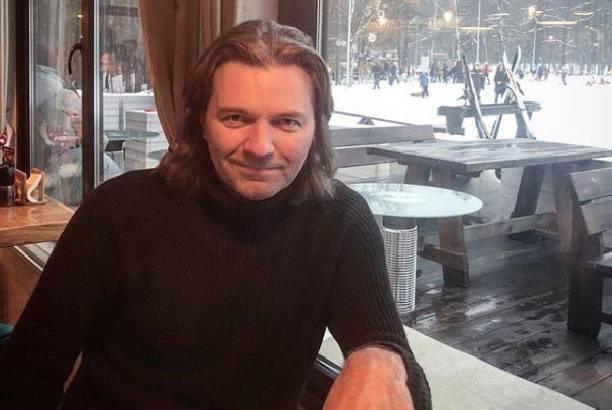 Дмитрий Маликов показал свою спортивную фигуру