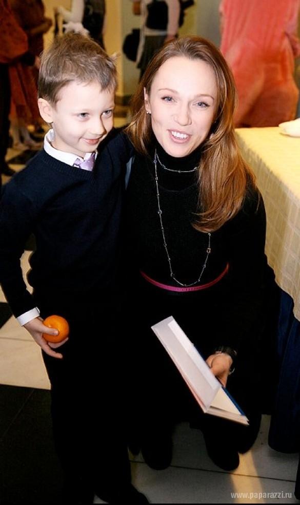 Альбина Джанабаева рассказала, как сын Костя стал мужчиной