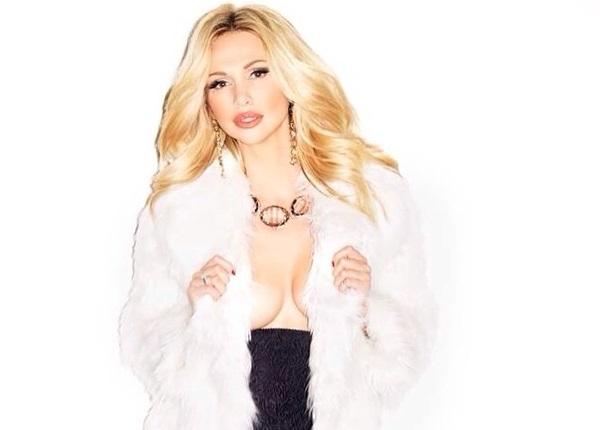 Виктория Лопырева поразила красивым снимком в нижнем белье